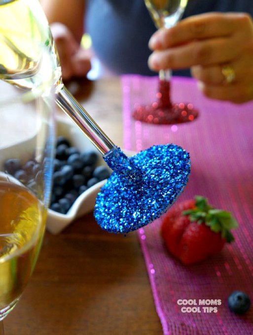 Fun and Colorful Glitter Glassware DIY!