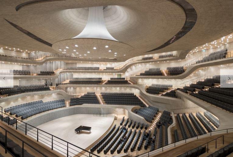 @LI_SimonO @talklandscape the Elbphilharmonie https://t.co/mzFzbypgOj