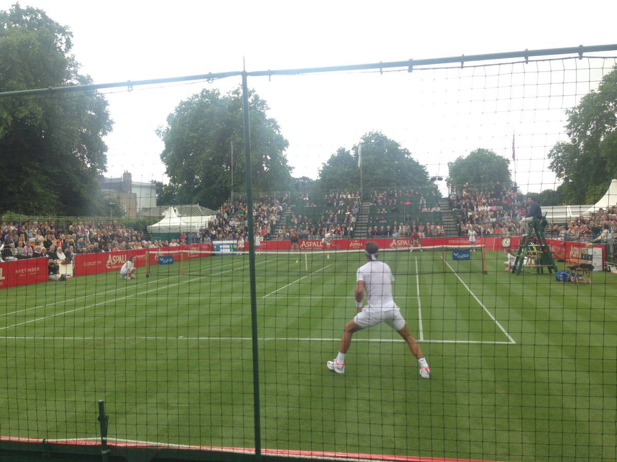 Tomas Berdych beats Rafael Nadal 6-3 6-2 at Hurlingham exhibition. htt...