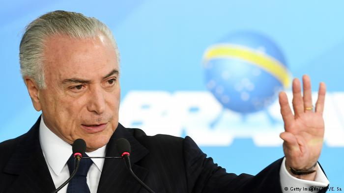 O Brasil na imprensa alemã: 'Surpreendente que não haja milhões nas ruas para exigir a retirada de Temer.' https://t.co/gzeRWs7ZGR