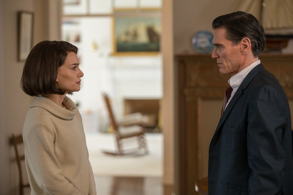 Natalie Portman and Billy Crudup star in Jackie. Watch it with us toda...