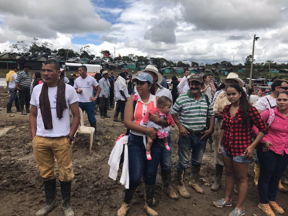 #YDejaronLasArmas y se reencontraron las familias ayer en Mesetas en e...