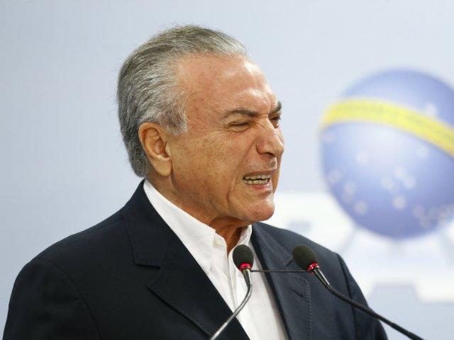 'Governo Temer sufoca PF', diz procurador da Lava Jato https://t.co/d7...