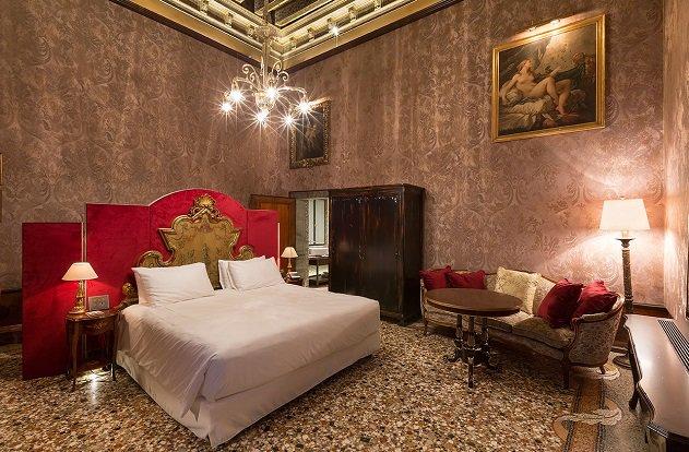 Venise : le Palazzo Venart Luxury Hotel rejoint le réseau The Leading Hotels of the World #Hôtellerie #Tourisme  http:// bit.ly/2ui5mua  &nbsp;  <br>http://pic.twitter.com/oXWXfjvNKz