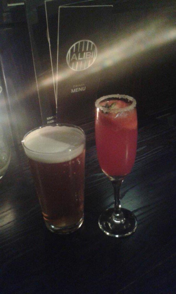 @Sunbridge_Wells Great #music and #free #food  &amp; #drink @alibi_bradford. Fantastic #bradford #yorkshireis #amazing #mustvisit<br>http://pic.twitter.com/9iaYUsMgLh