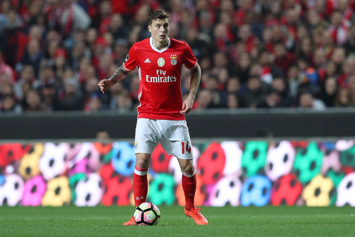 What can @ManUtd expect from Victor Lindelöf?   👉 https://t.co/OgsPcYd...