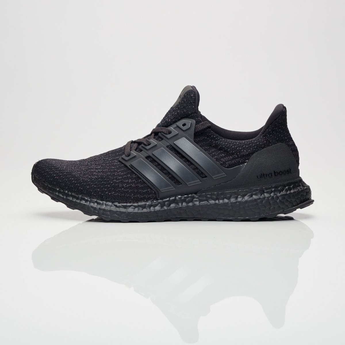 40112968d adidas alerts on Twitter
