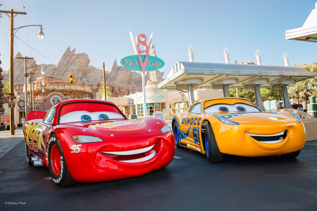 Disneyphotopass On Twitter Start Your Engines Lightning Mcqueen