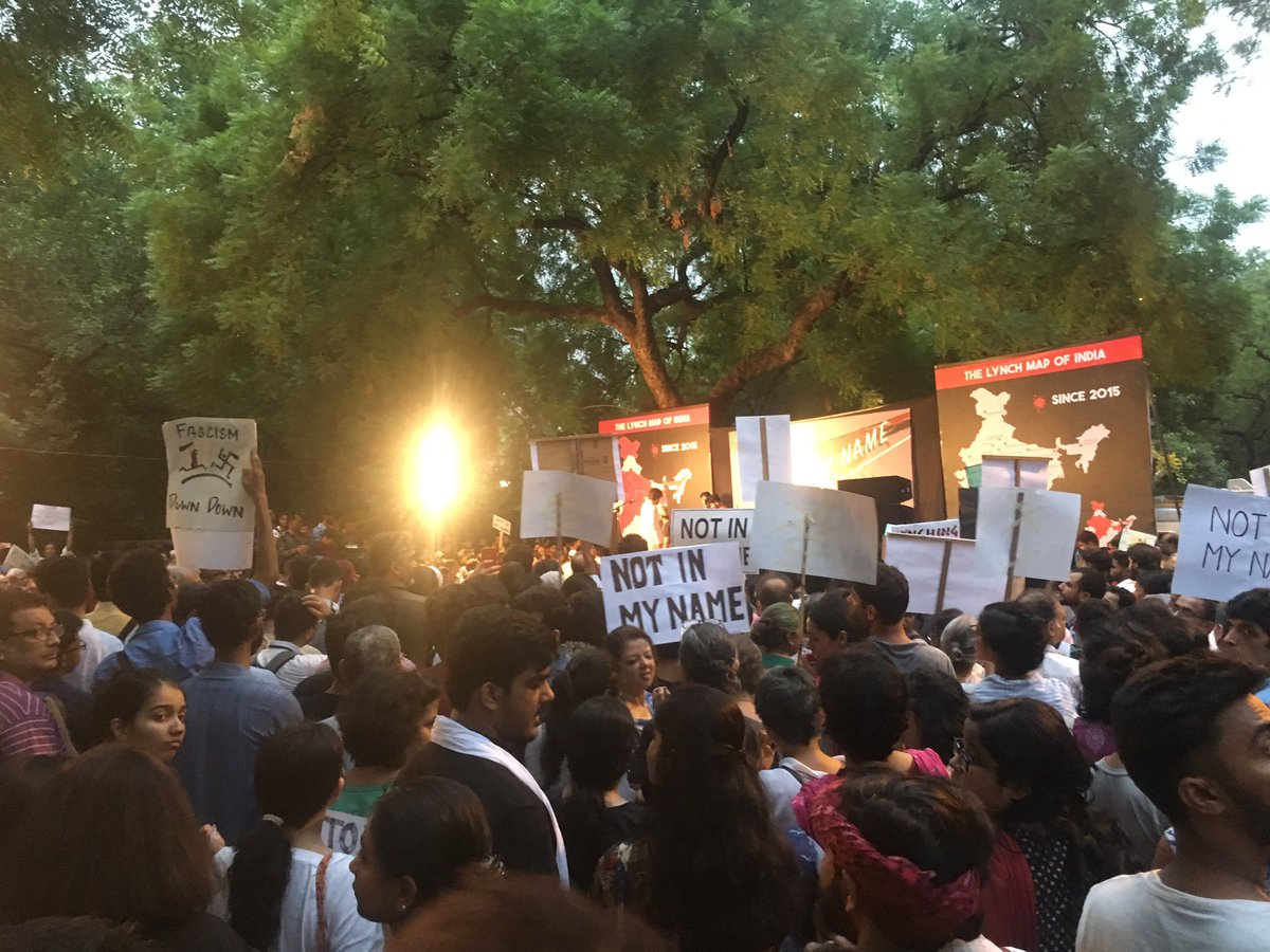 Jantar Mantar. Lots of young people have turned up to condemn lynchings. Good sign for the future! #NotInMyName https://t.co/hPmrRsxOu6