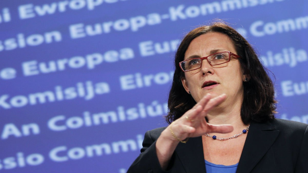 Why won't Brussels release report on EU-wide corruption?  Read more --&gt;  http:// bit.ly/2tkCvYM  &nbsp;    #CORRUPTION <br>http://pic.twitter.com/fAufsAXnGn