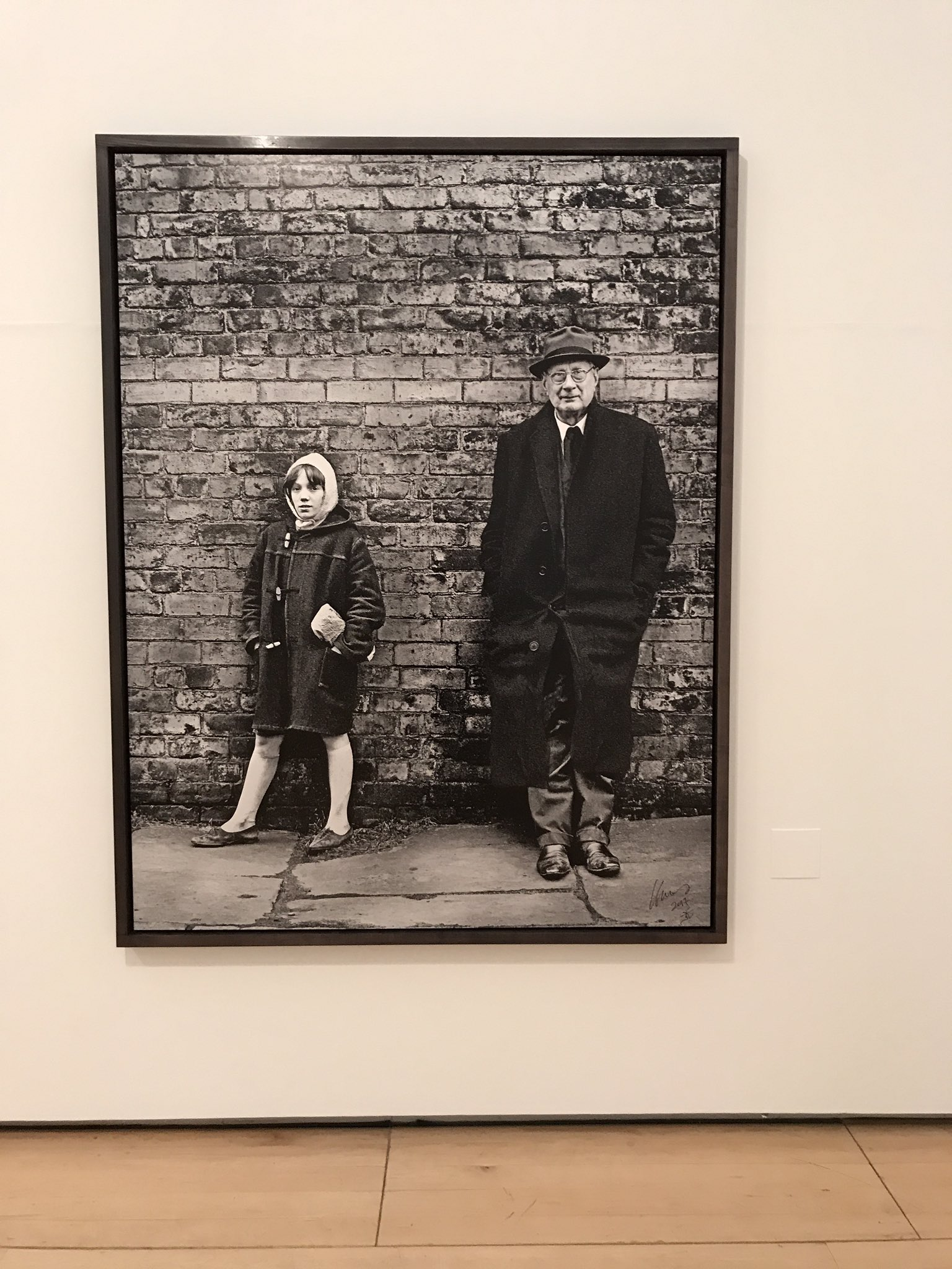 'meeting' my hero Lowry in the #CliveArrowsmith exhibition in Salford. Wonderful, just wonderful. https://t.co/VI8dpxX6Lu