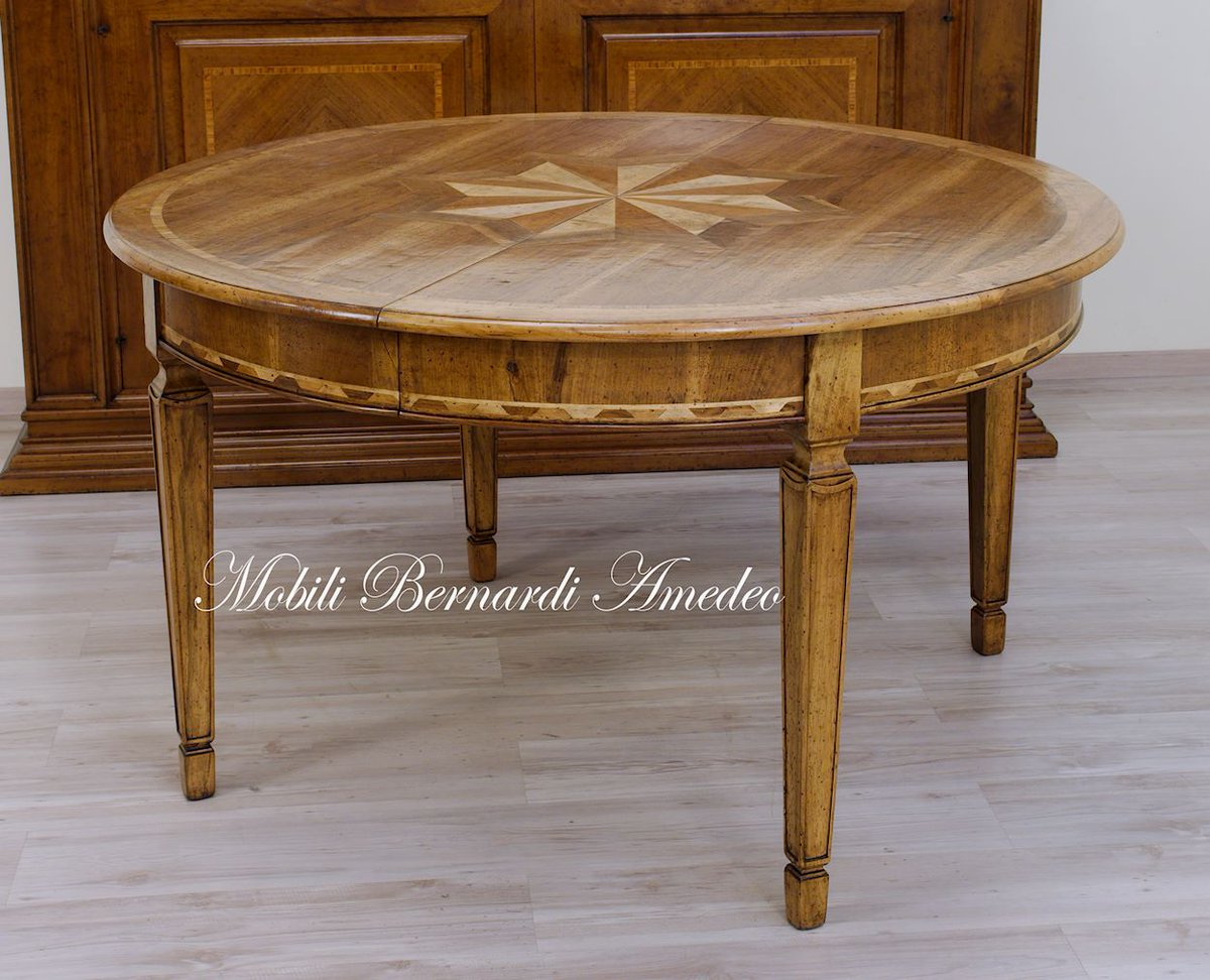 Tavoli rotondi classici cheap tavolo da pranzo stile classico tavoli arredamento with tavoli for Tavoli ovali ikea