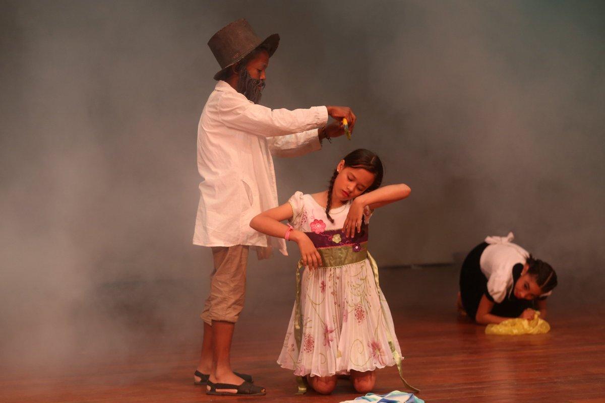 Venezuela celebra hoy el Día Nacional del Teatro https://t.co/vfkfLaNp...