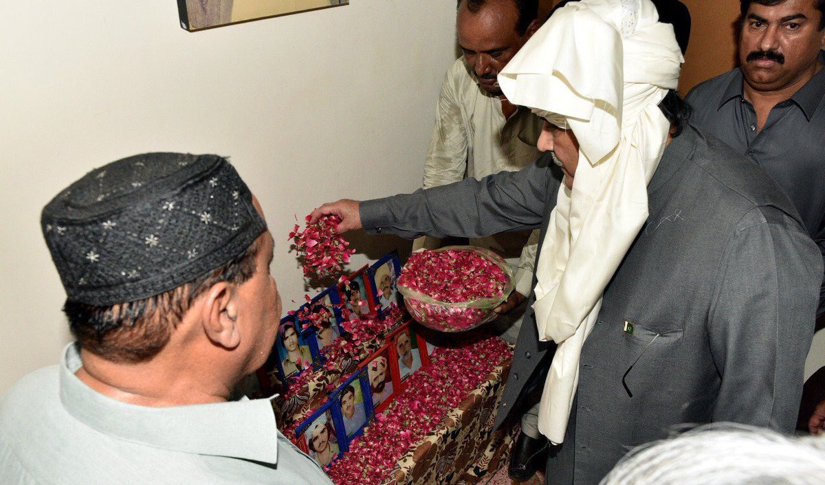 Former President of #Pakistan &amp; #PPPP President @AAliZardari visited today village Punhal Khan Chandio and met with the heirs of martyrs<br>http://pic.twitter.com/ikl3zzrLpy