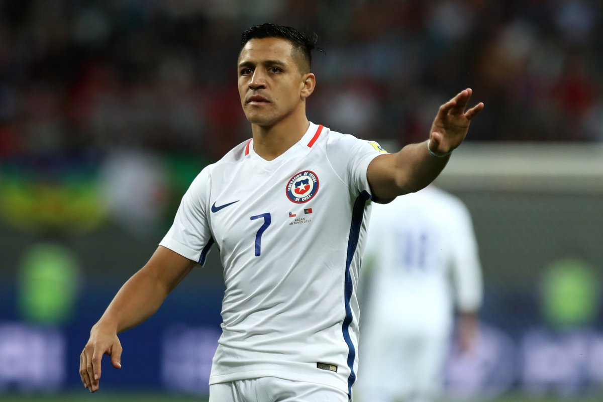 They've done it! 🇨🇱  @Alexis_Sanchez and @LaRoja have reached the Confederations Cup final after beating 🇵🇹  Well done #ElNinoMaravilla! 👏