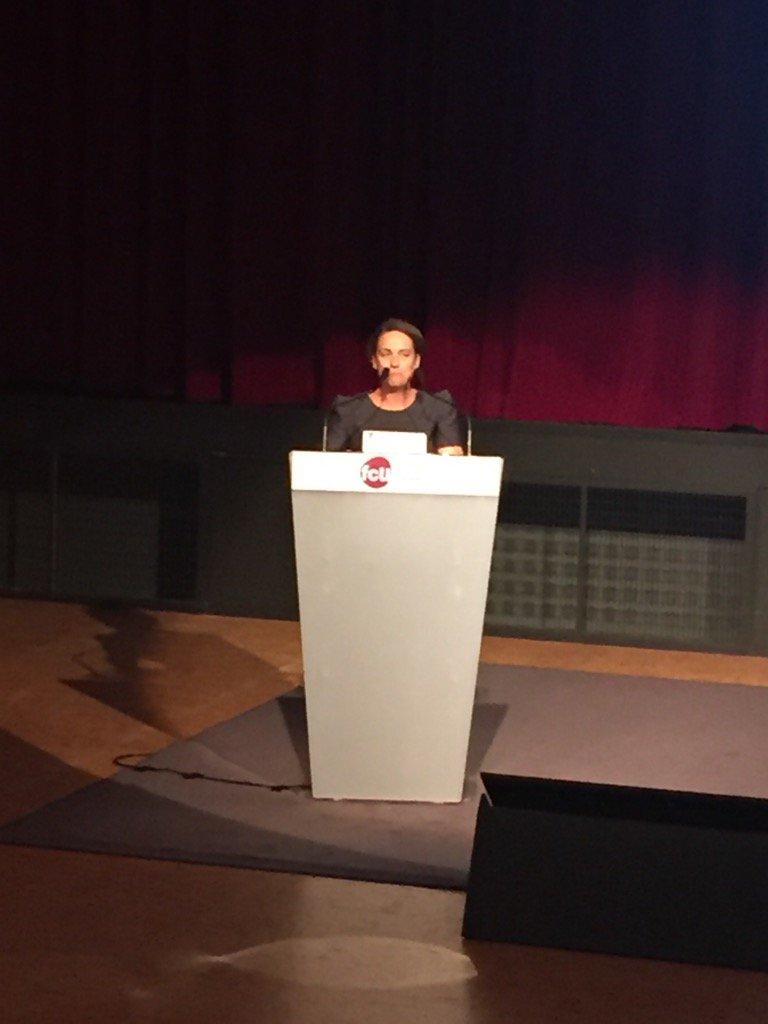 .@GaelleQuemeneur ouvre le 44eme colloque de la @fcu_fr #colloquefcu #Lorient https://t.co/vF9g1Xgnb0