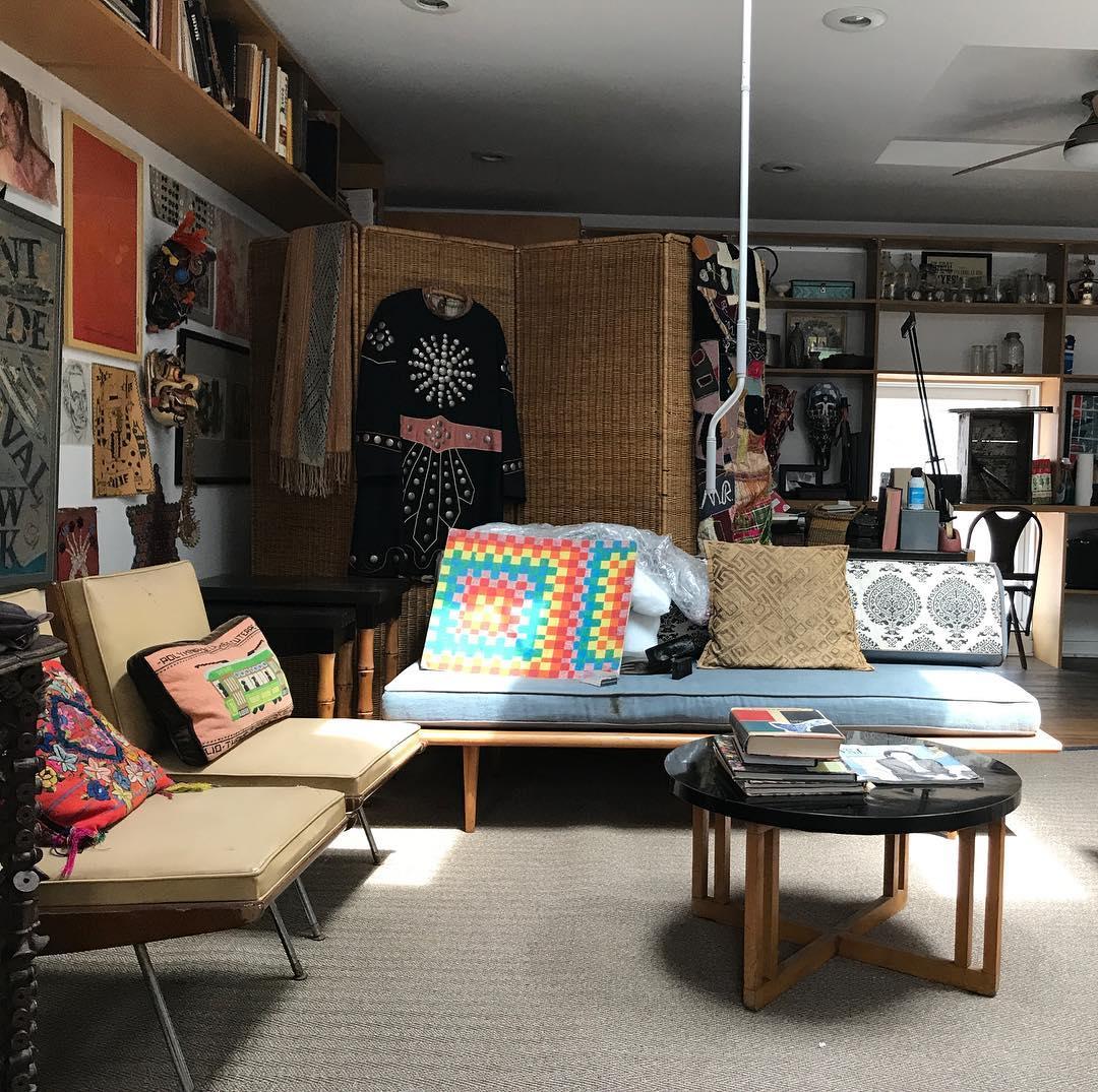 Our loft work space. #summerroom #midcenturymodern #chicagoartist #chicagoartiststudios #chicagointeriors #chicagointeriordesign<br>http://pic.twitter.com/5TlZsEpwEg