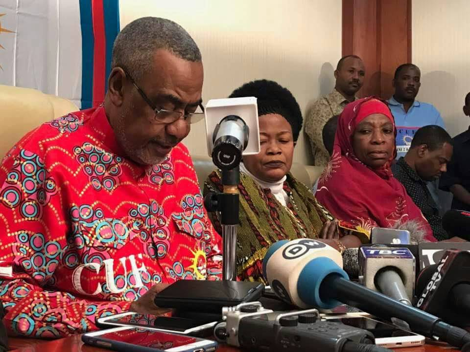 Addressing a news conference in Dar es Salaam, #Tanzania. I exposed the ongoing state-sponsored ploy to destabilise #CUF.<br>http://pic.twitter.com/QDYAKKKSGO