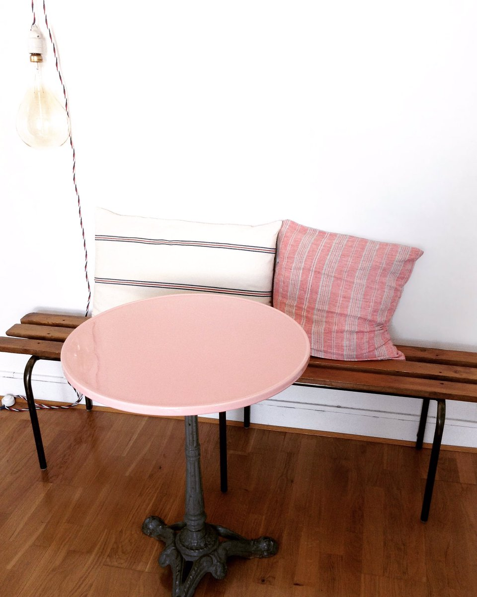 #gres #table #plateau #rose #surmesure #plateaudetable #madeinfrance #labelepv photo @Camille Evrard<br>http://pic.twitter.com/mPCXSBkxUu