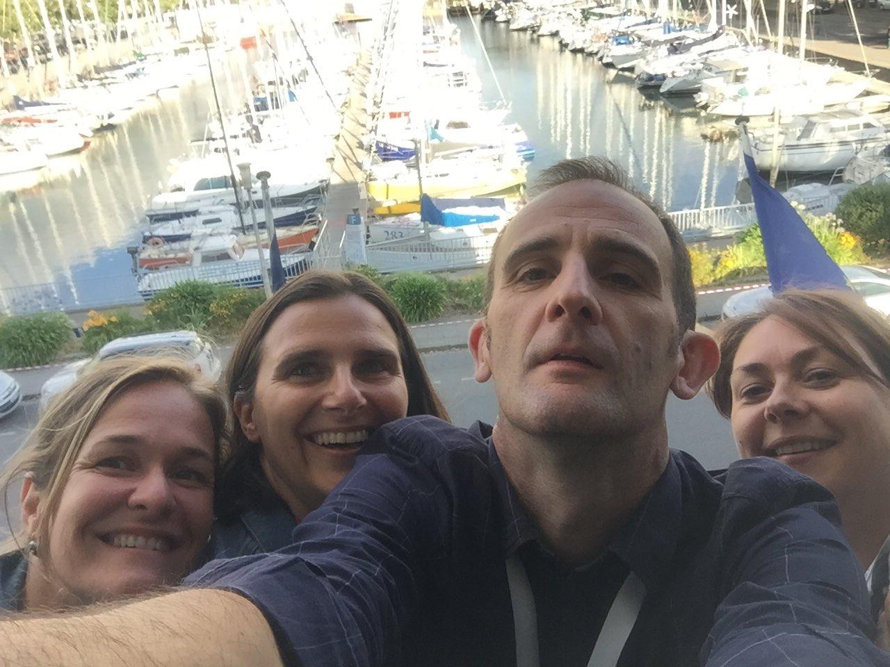 Le selfie avec les collègues @sandmonguillon @KoehlerMuller et Stella #colloquefcu Cc @Univ_Lorraine @fculorraine https://t.co/28QWsW53zd