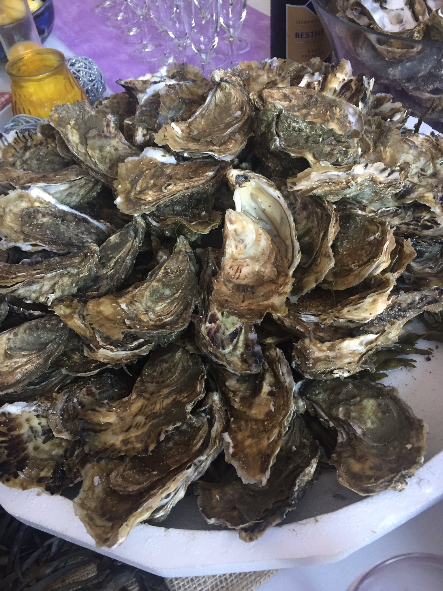 Alerte huîtres au #colloquefcu Cc @frompennylane 😉 https://t.co/8ywAFkgPNU