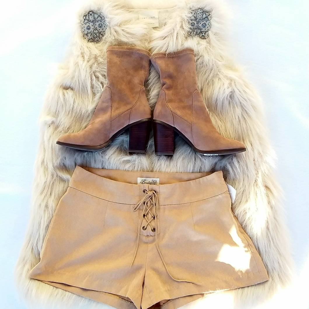 life is short, make every outfit count  // #Zara coat size M $25, #forever21 shorts size 3/4 $10, forever 21 boots size 6 $8<br>http://pic.twitter.com/0jkmrukdlT