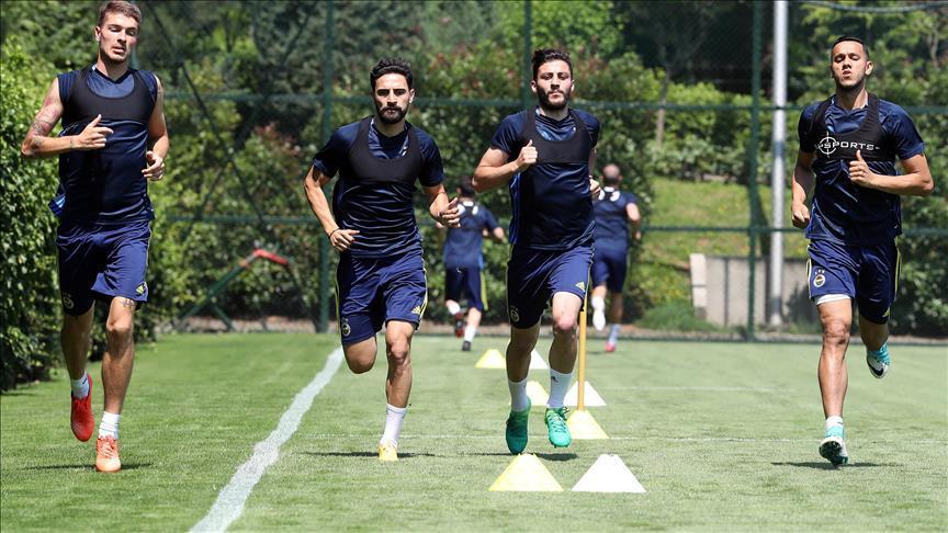 #Fenerbahçe'de yeni sezon hazırlıkları sürüyor https://t.co/427COZBSYZ...