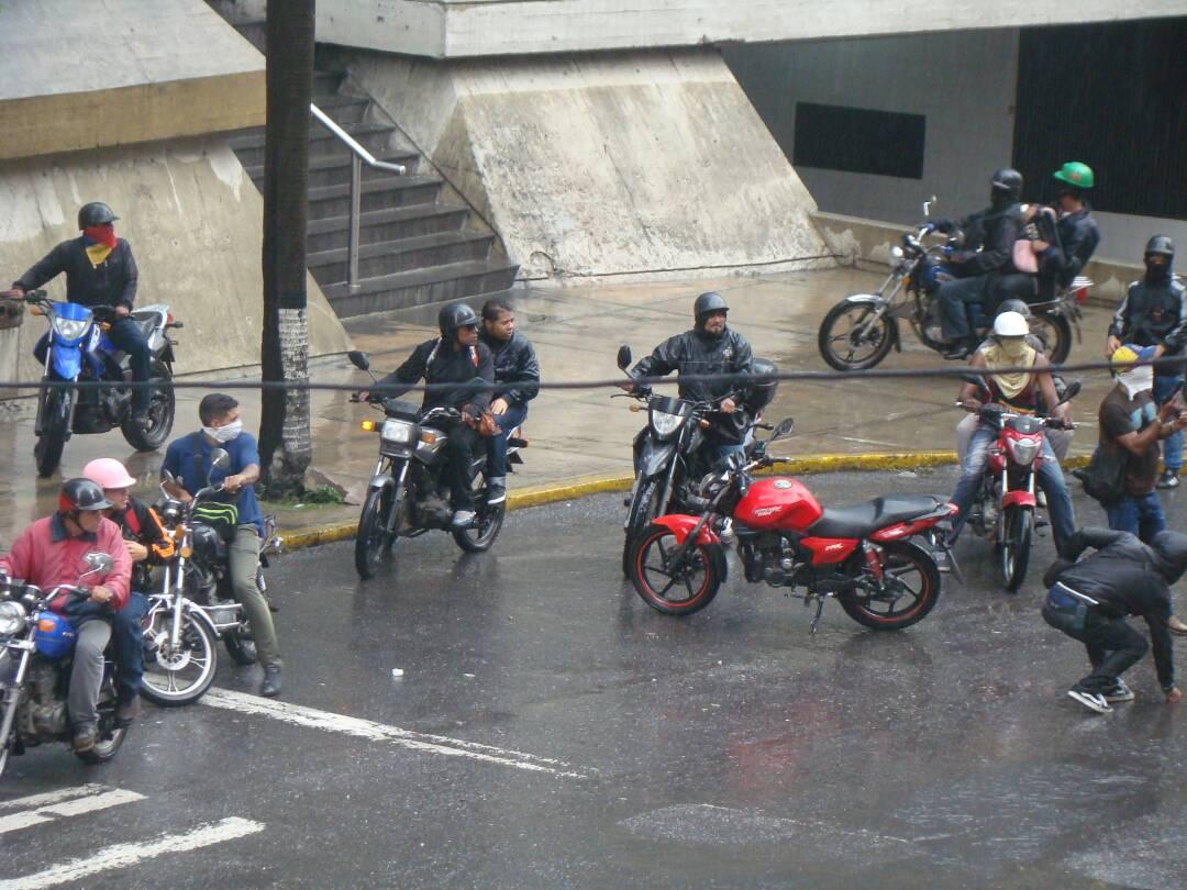 Crisis de inseguridad en Venezuela. (sálvese quien pueda) - Página 24 DDbmEnIXcAESisc
