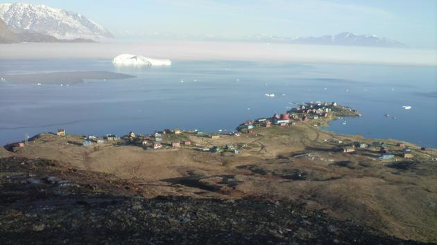 An earthquake #Tsunami killed 4 people in this village in #Greenland. Glaciers are connected too.  http:// goo.gl/UdNDZU  &nbsp;   @GlacierBytes <br>http://pic.twitter.com/DdhQxiikBy