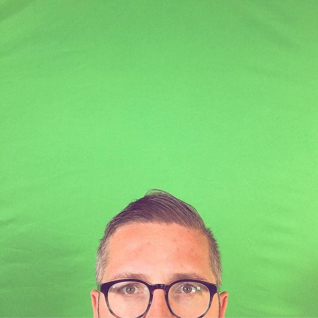 #PQLking at a green screen?  http:// ift.tt/2t2mWmg  &nbsp;  <br>http://pic.twitter.com/9DpNLH2oB0