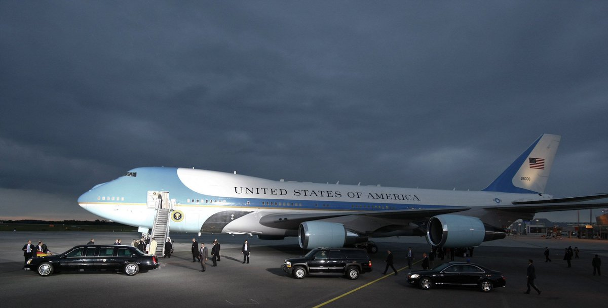 Fun Fact: It costs about $206,337 an hour to operate Air Force One.🧐 h...