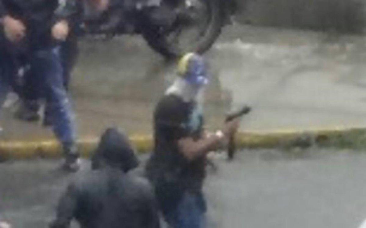 Paramilitares del PSUV dispararon a residencias Parque Caracas #28Jun...