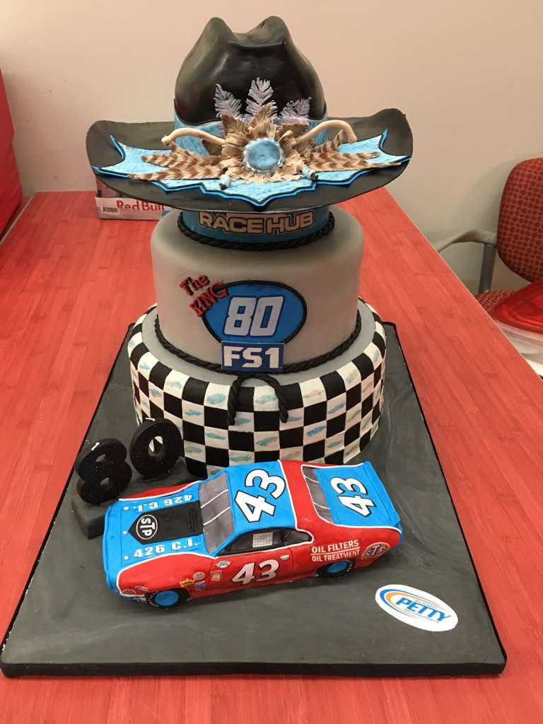 What a party for The King today #RaceHub @FS1 How about this cake by @DessertsByDawnL #NASCAR #fb <br>http://pic.twitter.com/UU7cqtmkXi
