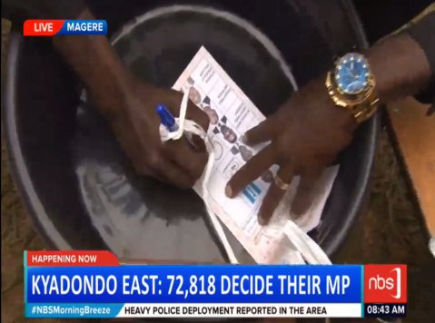 .@HEBobiwine has FINALLY cast his vote #NBSUpdates #KyadondoEastByElec...
