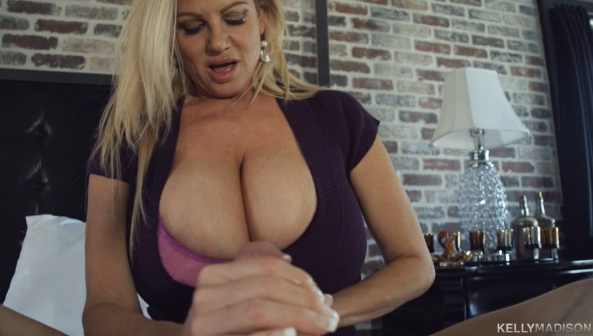 Boobsters Big Boobs On Twitter Slutty Big Tits Step Mom Imkellymadison Works The Cock  E2 9e A1 Https T Co Xtf1o8jgbg