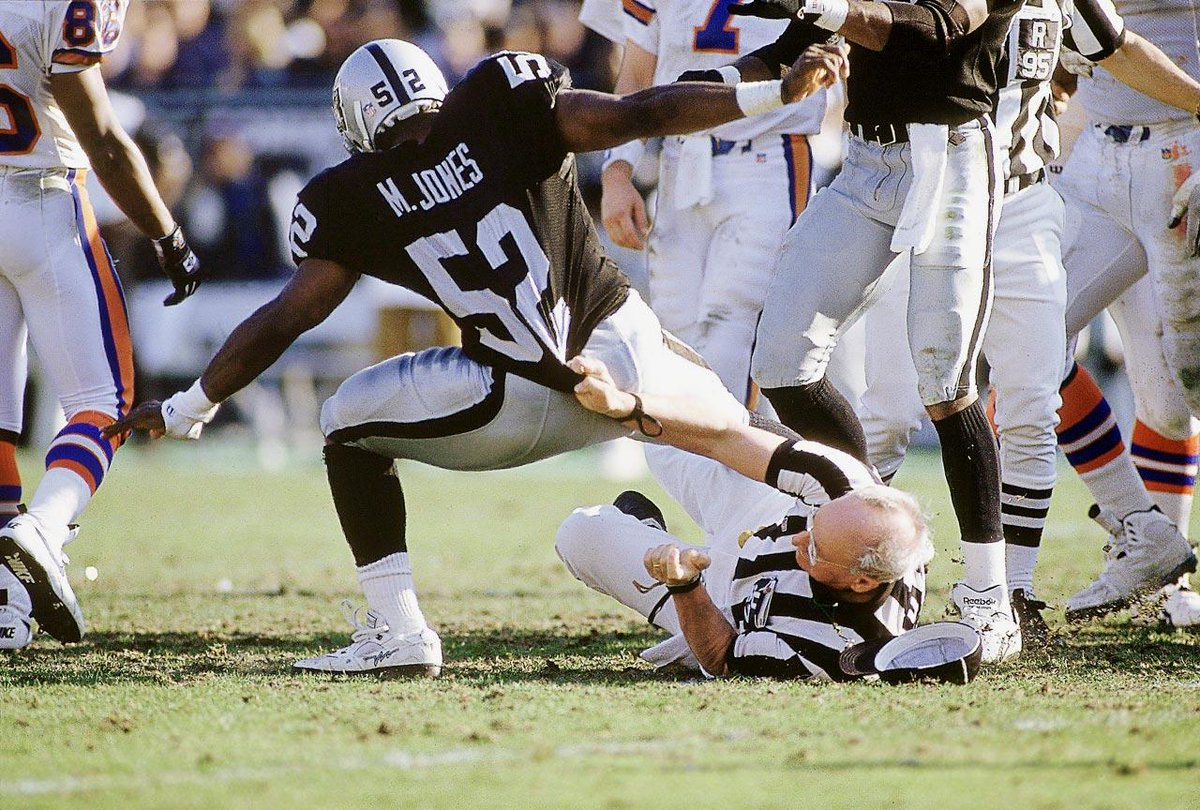 The #NFL has held us back at times ... Immaculate Reception, Rob Lytle&#39;s Fumble and the Tuck Ruling ... high crimes against #RaiderNation<br>http://pic.twitter.com/z20a8yWBTY