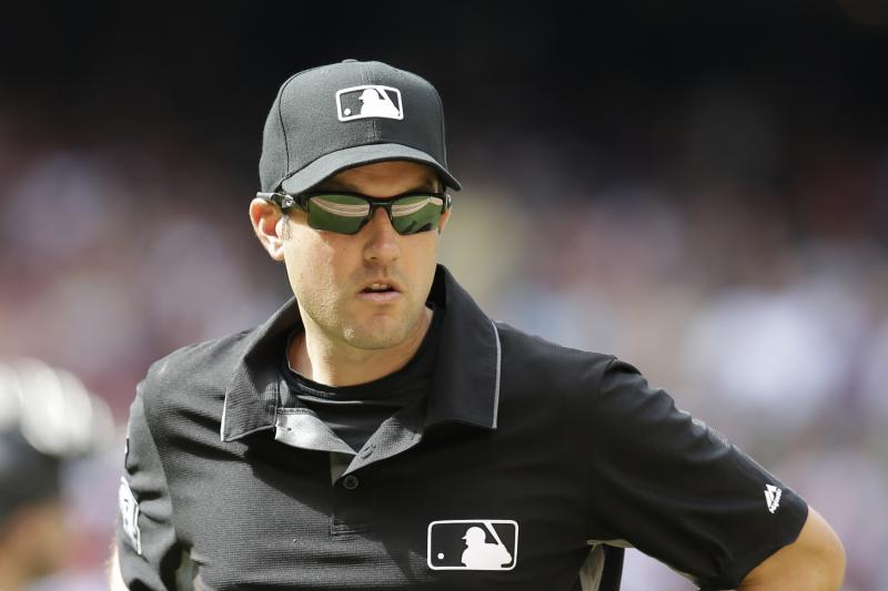 Wow 🙏  MLB umpire saves woman attempting suicide on Roberto Clemente B...