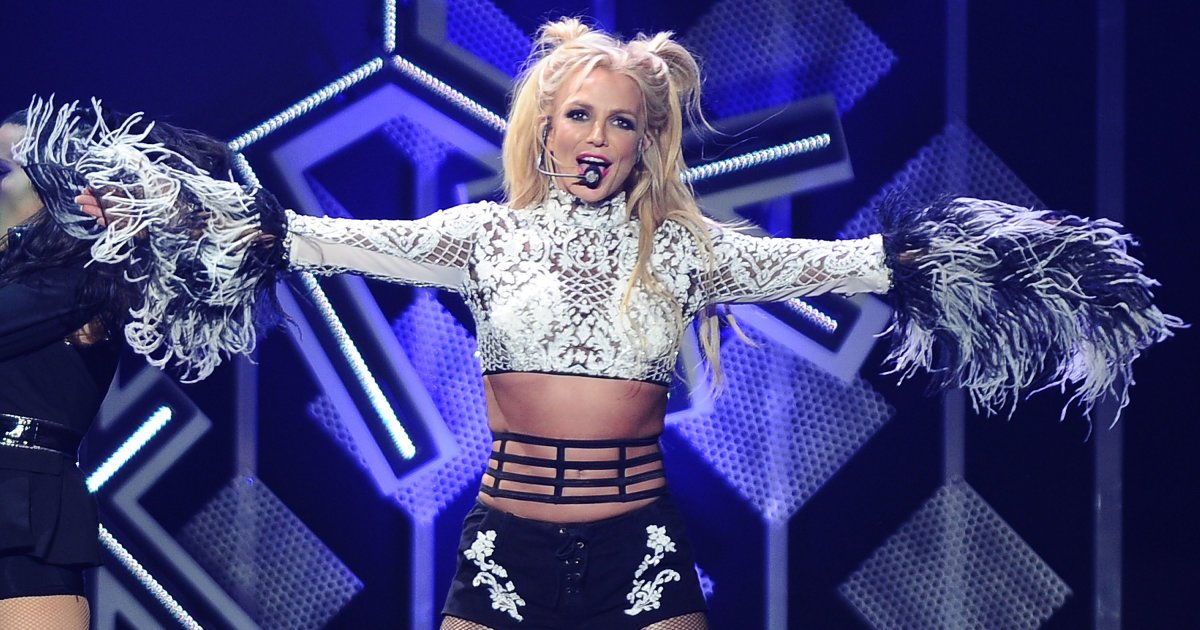.@britneyspears gets real about those lip-syncing rumours https://t.co...