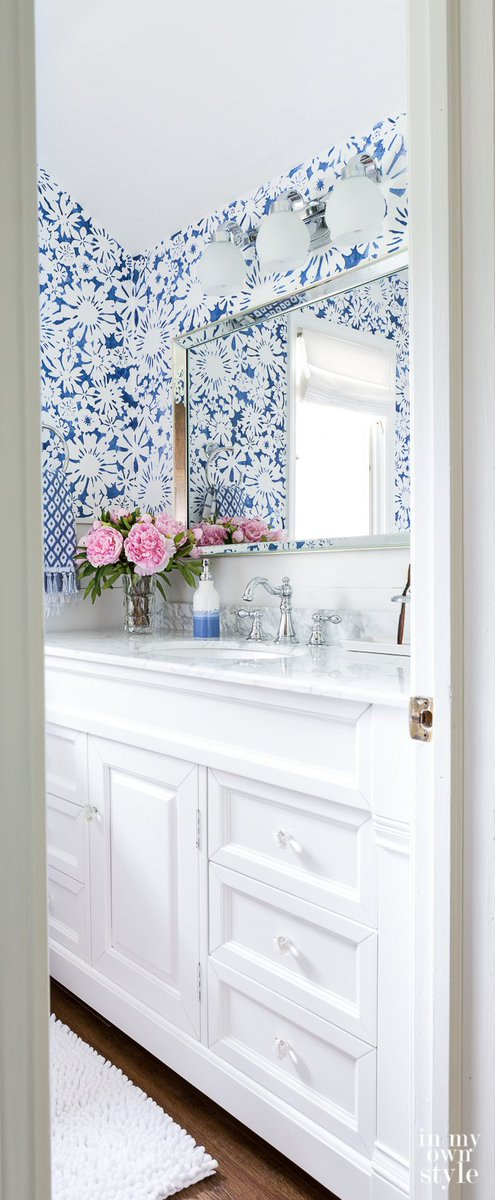 COLOR LOVERS: GUEST SUITE MAKEOVER REVEAL  https:// inmyownstyle.com/2017/06/decora ting-room-makeover-before-and-after-reveals.html &nbsp; …  #homedecor #home #diy <br>http://pic.twitter.com/uokjTaZhR7