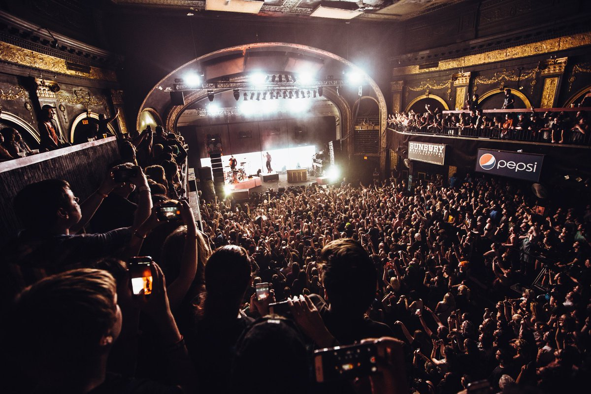 øne week ago today at the newport for #tourdecolumbus show twø •