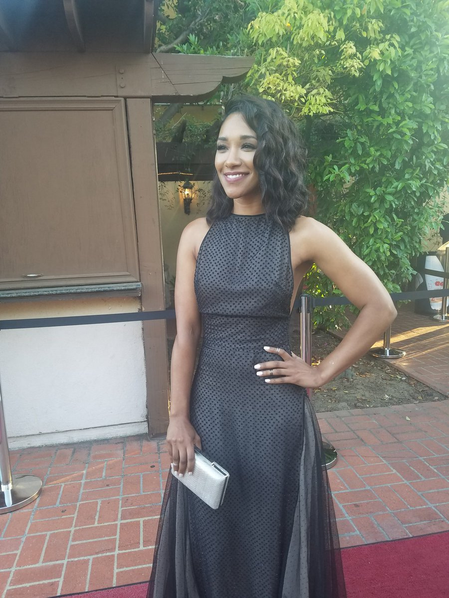 The lovely @candicekp on the #SaturnAwards carpet. https://t.co/A5Ay6H...