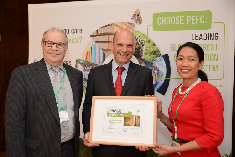 APRIL was  1st  in Indonesia with @PEFC certification,meaning products are sourced,grown&amp;managed in #sustainable way  https:// goo.gl/gEKiQW  &nbsp;  <br>http://pic.twitter.com/vVUD5pD21b