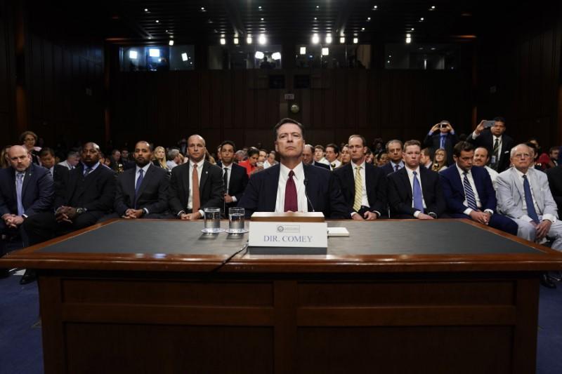 Senate Intelligence panel will see Comey Trump memos https://t.co/sc5C...