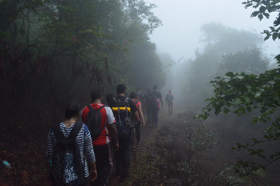 #Monsoon  trek over the weekend? Don't go to these 15 dangerous sites in #Maharashtra, reports @ChatterjeeBadri READ:  http:// read.ht/B1c5  &nbsp;  <br>http://pic.twitter.com/R3z63l1HEf