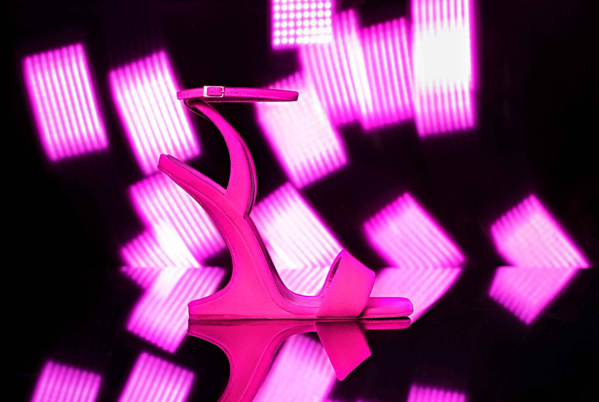 harbour city on twitter pink neon lights is back giuseppezanotti