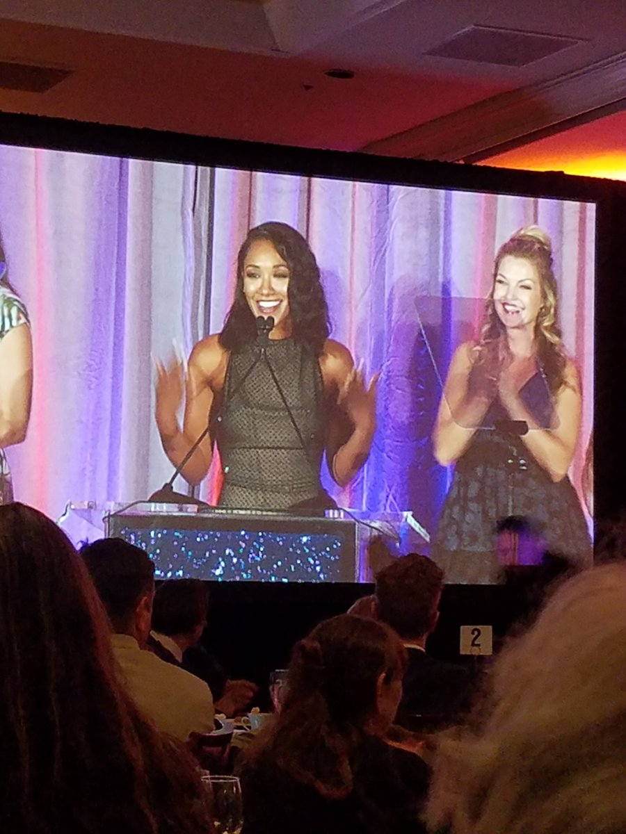 Wonderful speech from Candice Patton on the importance of diversity in genre. #SaturnAwards https://t.co/4K6vTMy0aY