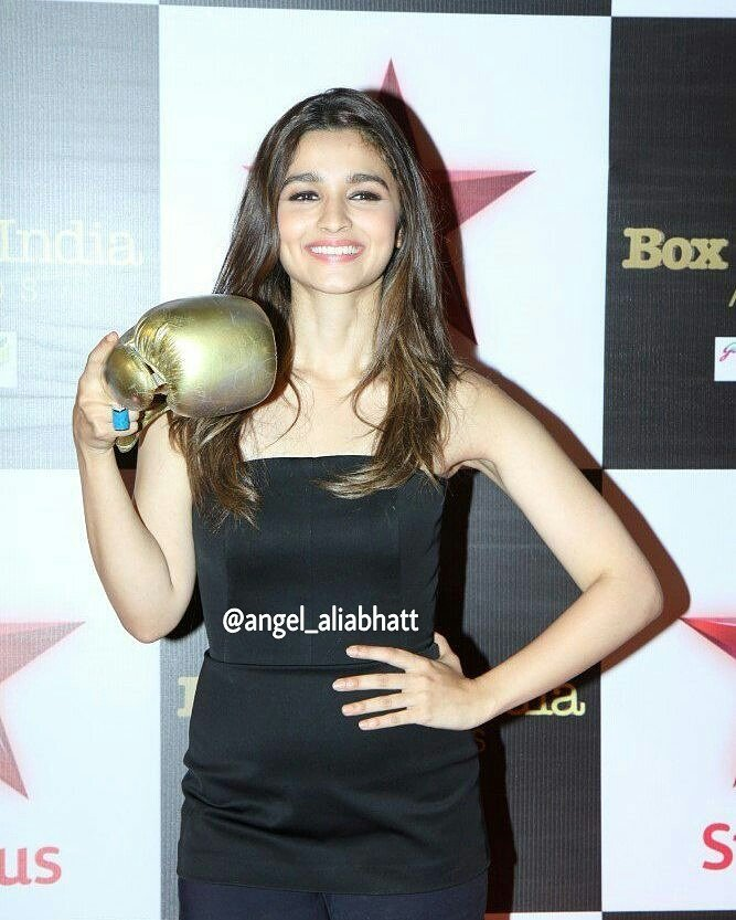 Good morning !! @aliaa08  #AliaBhatt #angel_aliabhatt #goodmorning #pretty #Smile #Bollywood #FolloMe<br>http://pic.twitter.com/K4fZb4XLOC