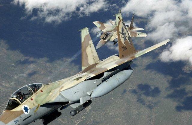 ВВС Израиля нанесли удар по сирийским войскам на Голанских высотах https://t.co/X0guck1K14