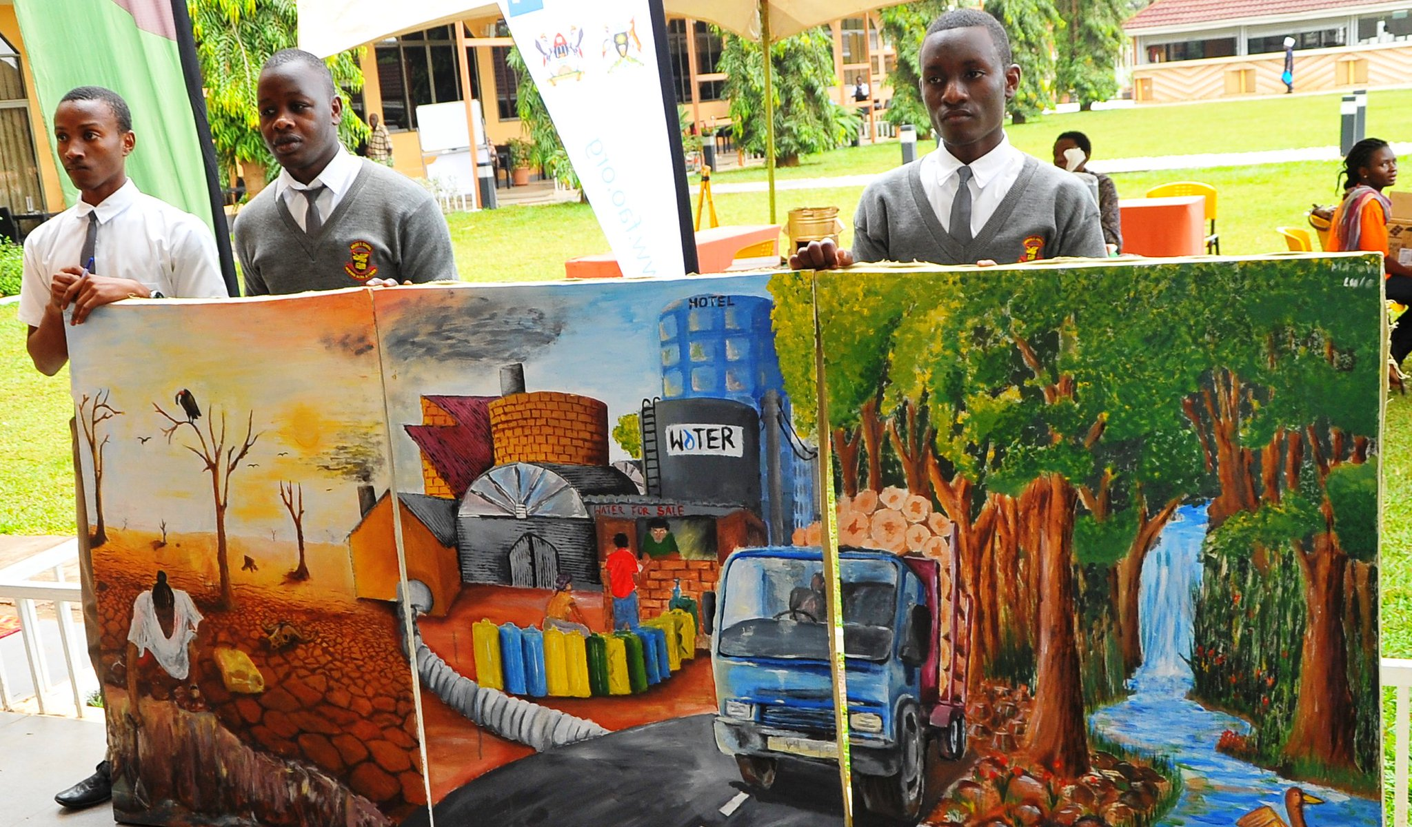 Students at #CBA11 use art to raise awareness about #climatechange @FAOAfrica @IIED @UNDPUganda @MakerereU https://t.co/gxegIxVWIO