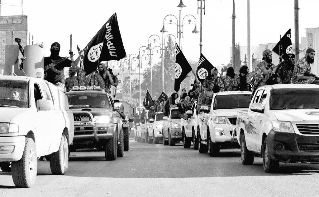 سقطت دولة الخوف والرعب في الموصل العراقية وتبقى سقوطها في الرقه السوري...
